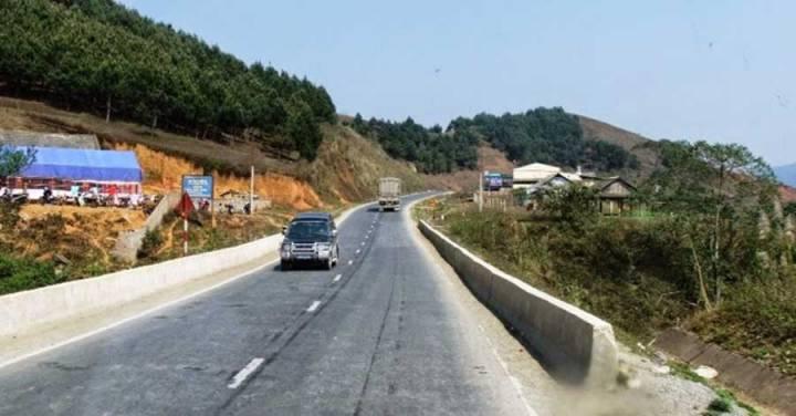 Hoa Binh - Son La Expressway