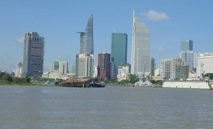 """Saigon One Tower """"golden"""" project is inactive"""