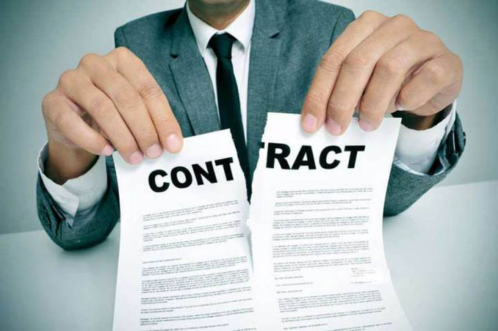 The tenant has the right to terminate the contract
