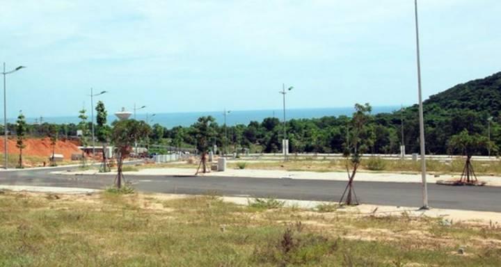 Nguyen Thong Street expand