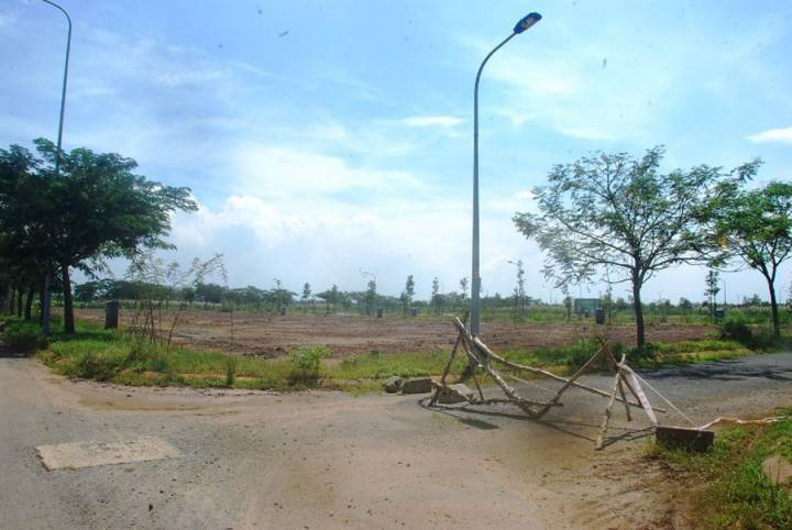 The largest urban area of District 9 is the place where cattle are kept