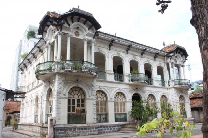 Ho Chi Minh City reviews and classifies old villas