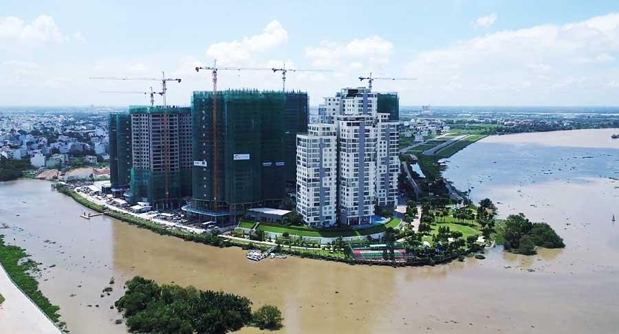 bridge connected Diamond Island and Mai Chi Tho Avenue