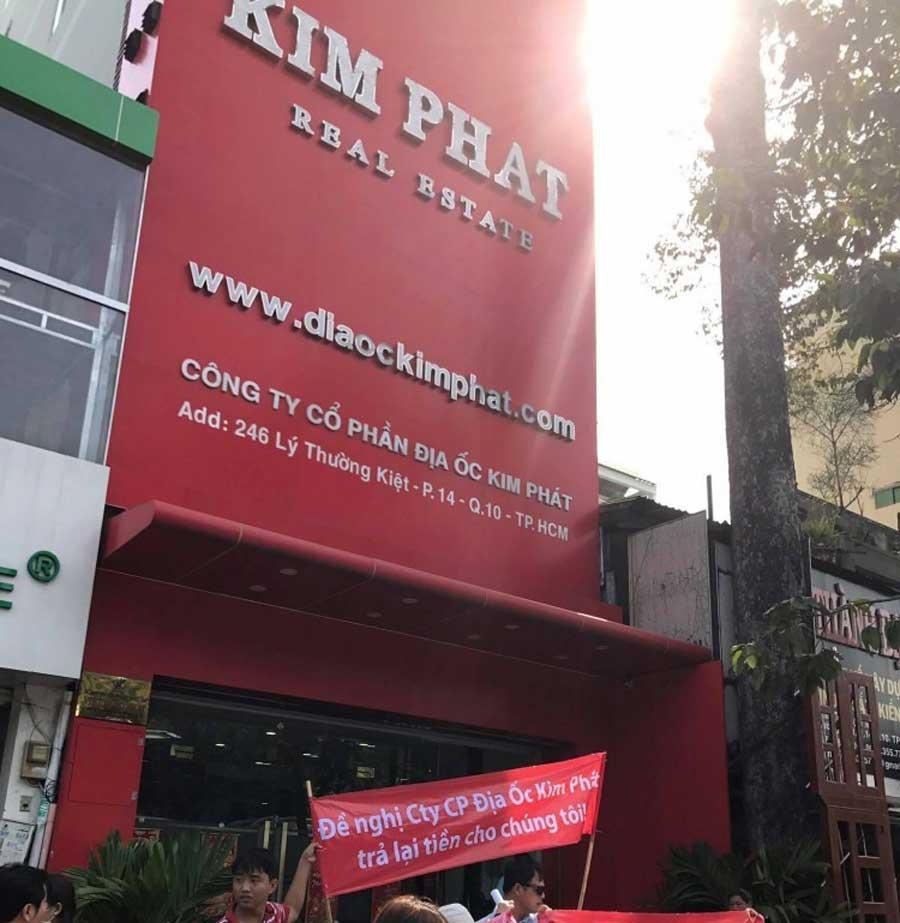 Denounced Kim Phat as fraudulent