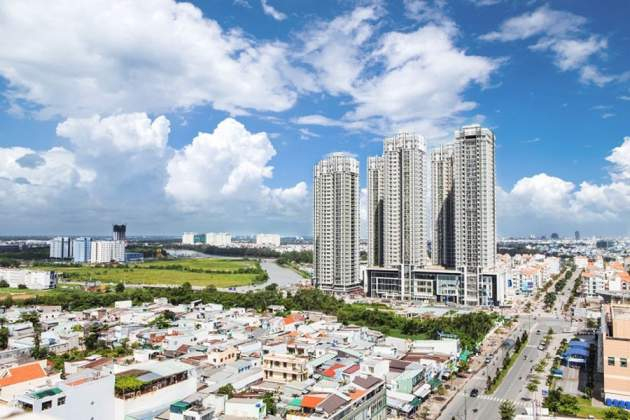 What factors will create momentum for the property market in 2018?