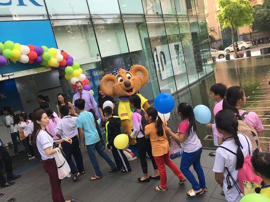 200 unfortunate children welcome International Children's Day at the height of 180m