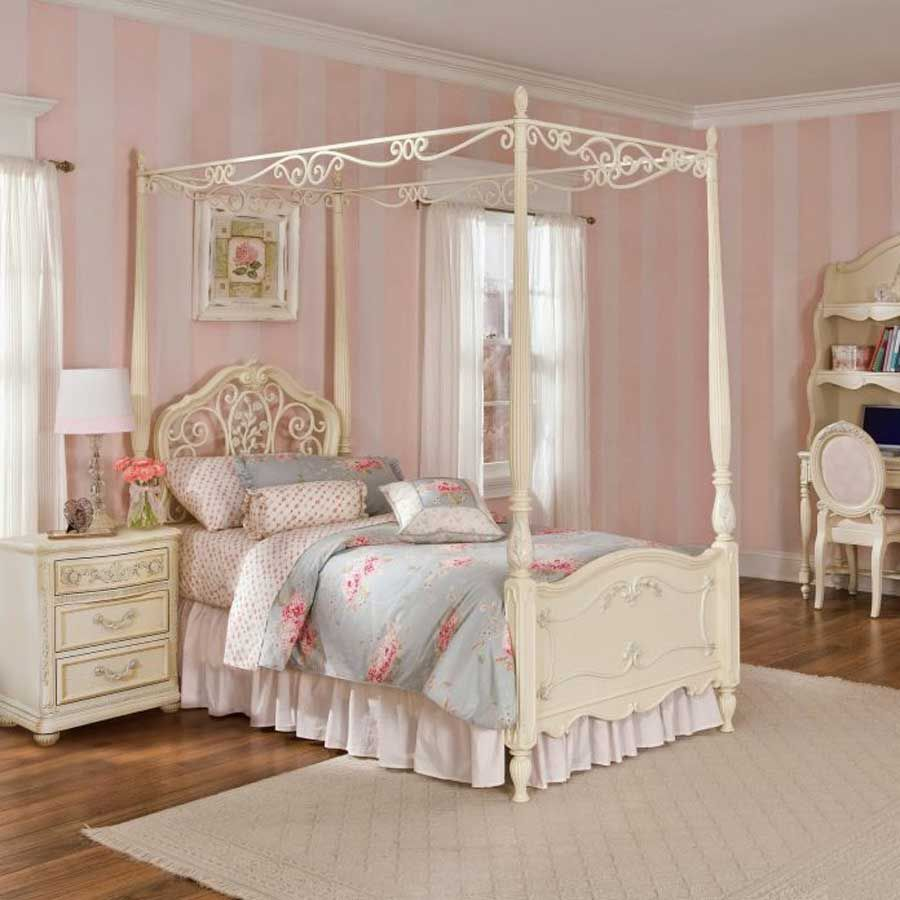 Bedroom furniture for baby