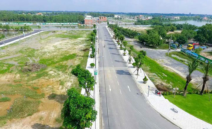 Selling land but the investor do not give the contract for customers