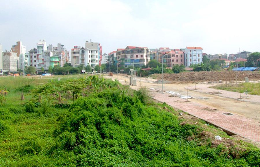 Exemption, reduction of land use fees in the case of auction