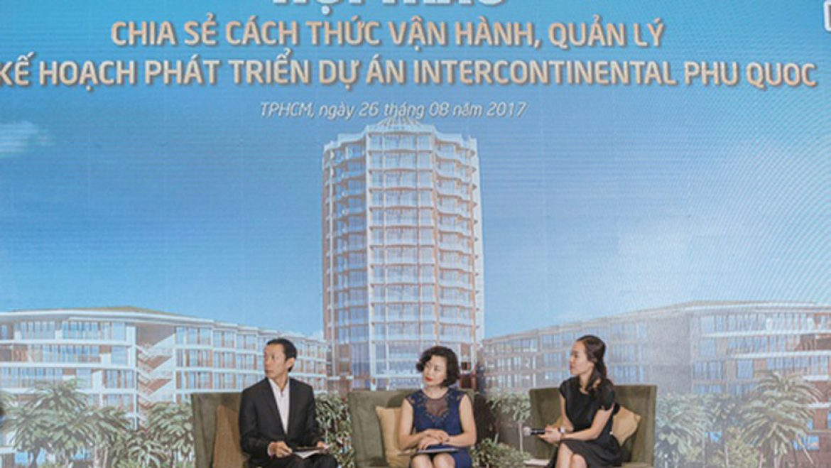 The-workshop-discussing-the-methods-to-operate,-manage-and-plan-the-development-of-the-InterContinental-Phu-Quoc-Long-Beach-Residences