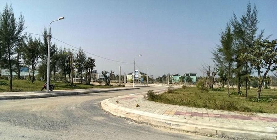 land-in-Da-Nang-1