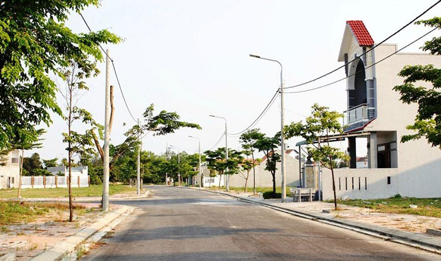 land-in-Da-Nang-2