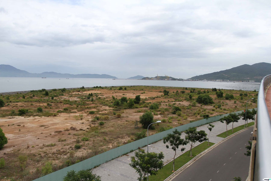 land in Danang