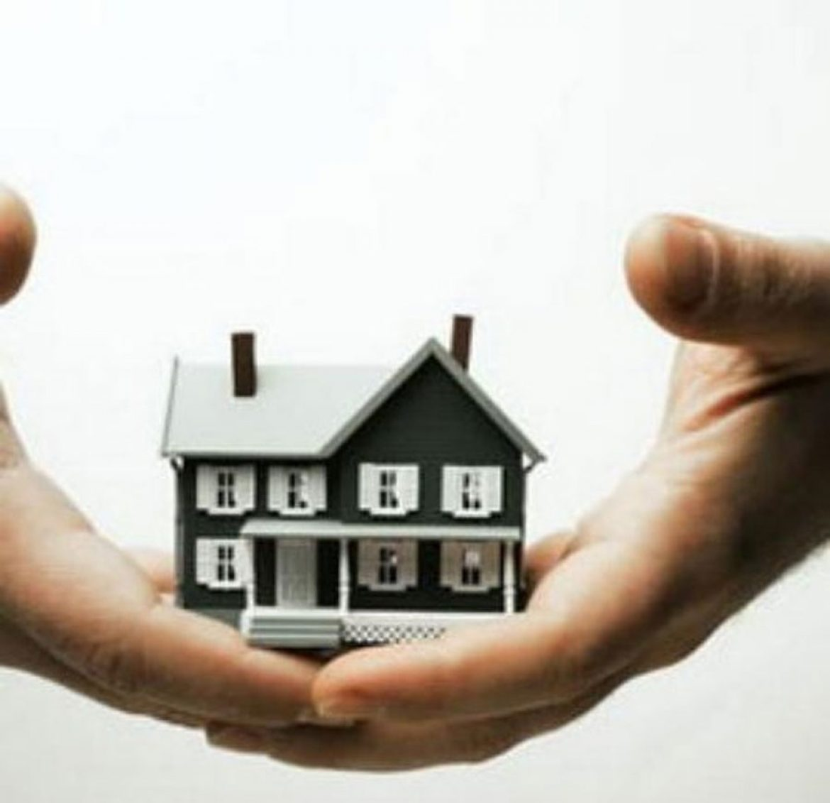 Recommend real estate investors only pay a guarantee fee, not a deposit