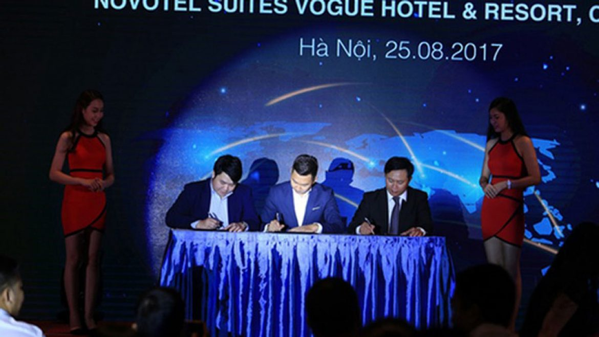 the signing ceremony of management contract of Novotel Suites Vogue Hotel & Resort