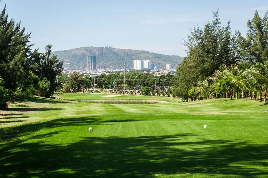 An existing golf course is in operation.