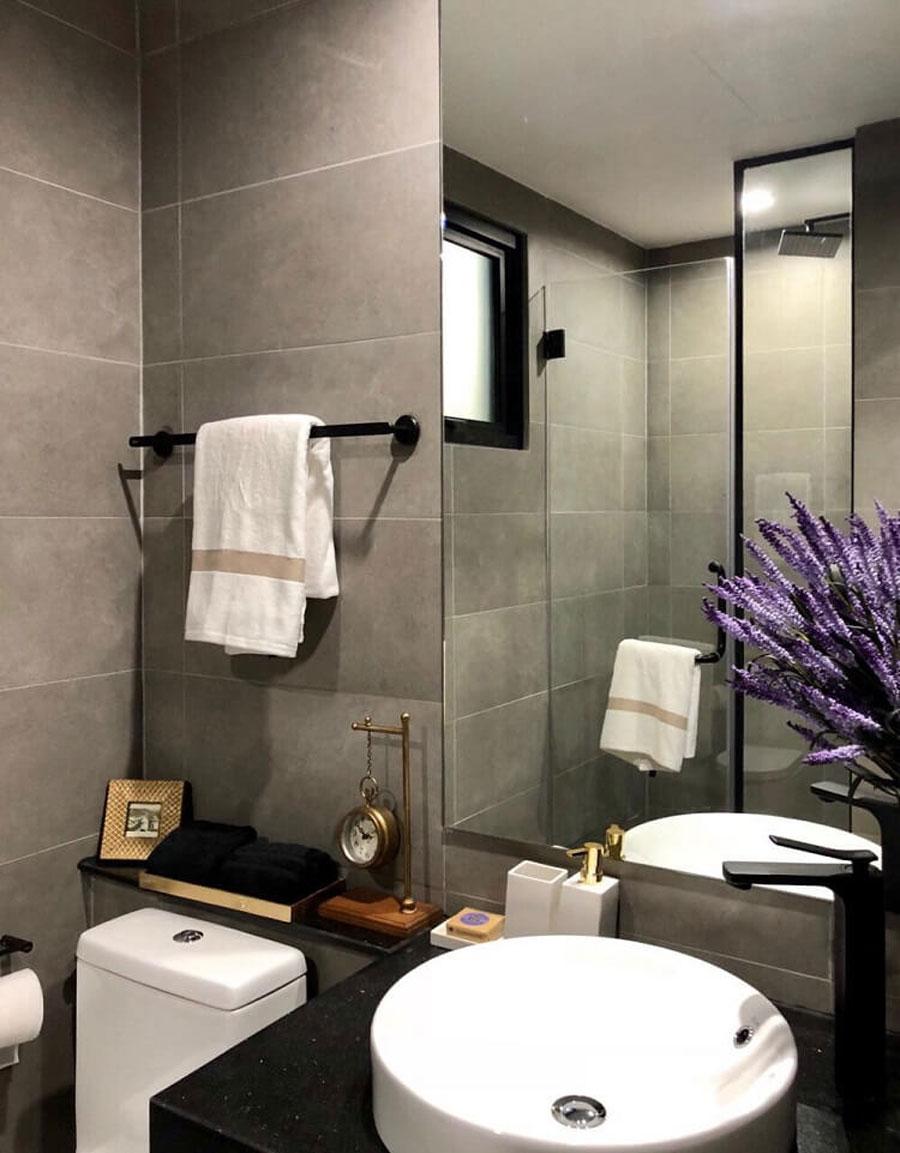 Design bathroom model apartment De La Sol