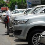 From June 1, HCMC began to charge cars parking under the road