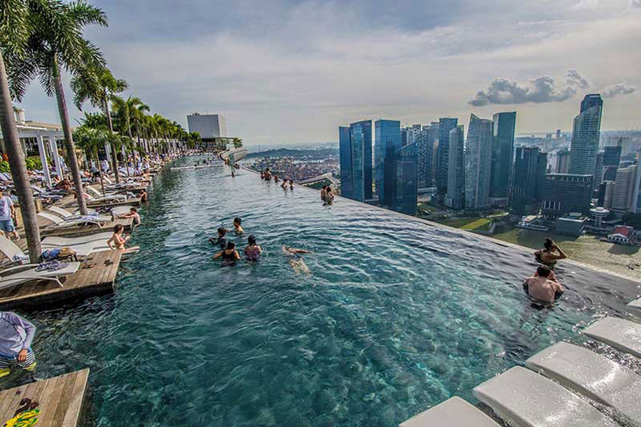 Infinity pool at Fraser q2 Thao Dien