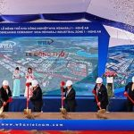 Deputy Prime Minister Vuong Dinh Hue attended the ceremony to commence the $ 1 billion industrial zone project