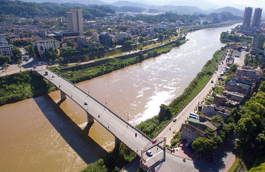 Lao Cai and Yunnan (China) have agreed to build a bridge across the Red River connecting two provinces