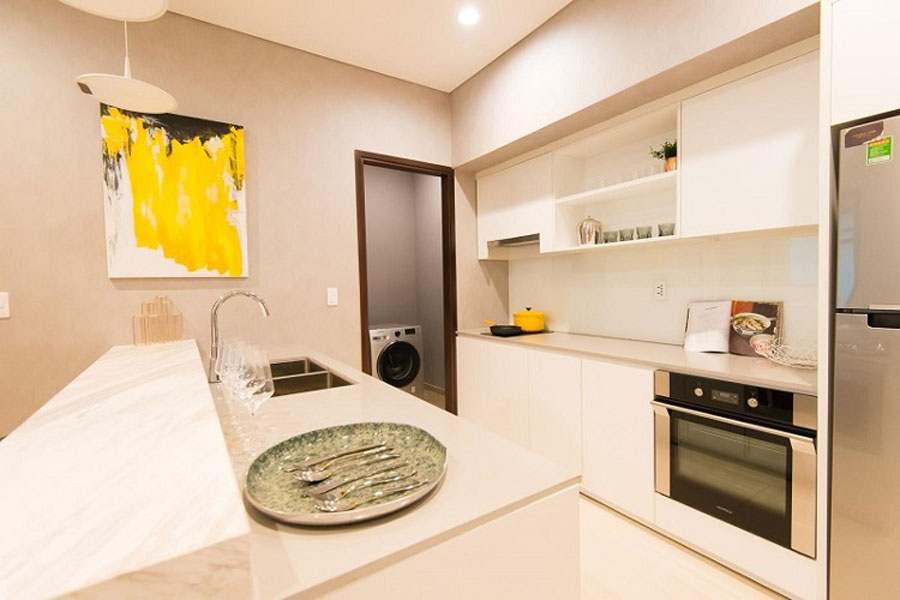 Luxury, cozy kitchen space at Sunshine Avenue apartment district 8