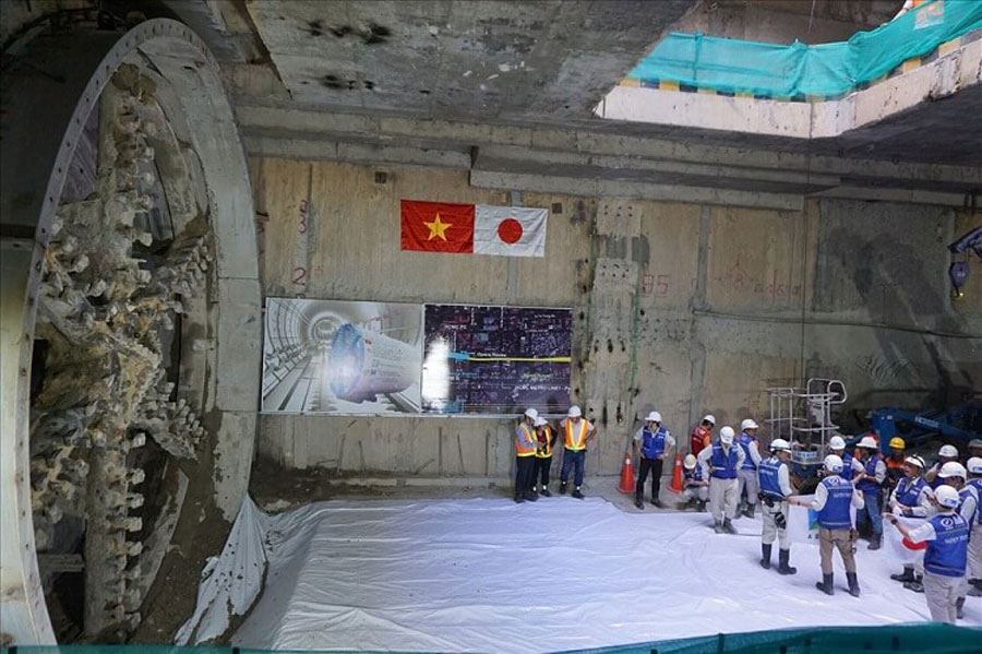 After 5 months of construction, the second tunnel of Metro No. 1 Ben Thanh - Suoi Tien was completed.