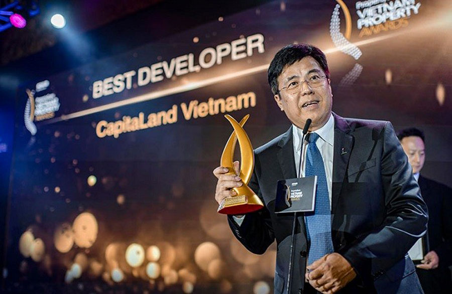 General Director of CapitaLand Vietnam received 'Best Developer ' Award.