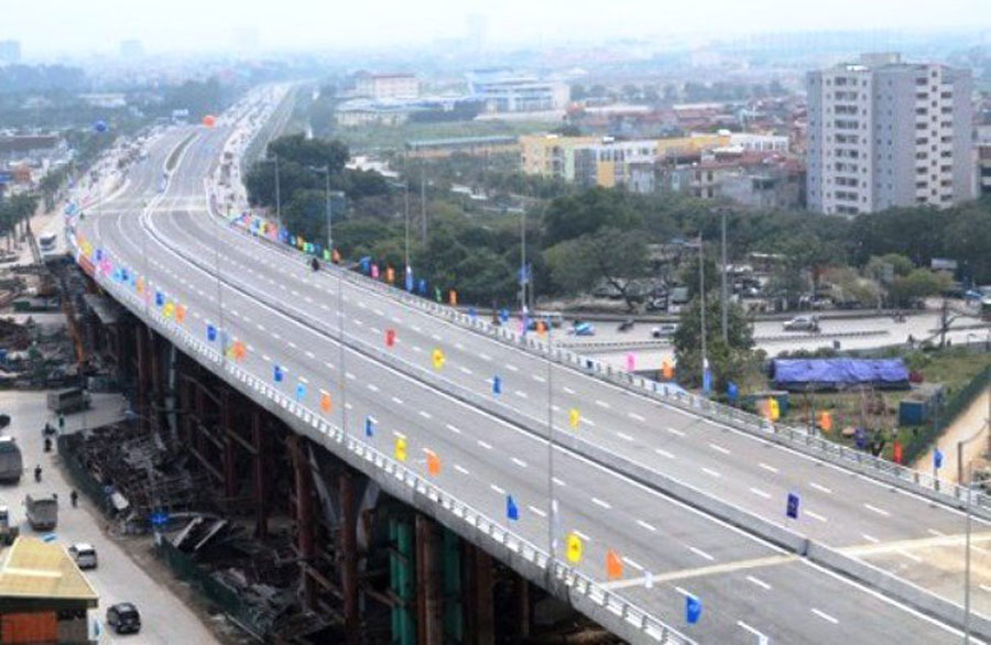 On 6/1/2018, Hanoi started to build overhead brigde over VND5,300 billion