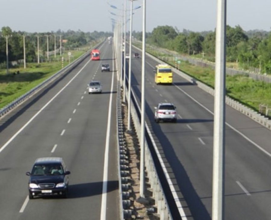 Ho Chi Minh City-Can Tho Expressway complete in 2025