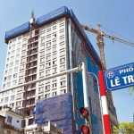 The violation at 8B Le Truc: To dismantle the tower crane for maintenance