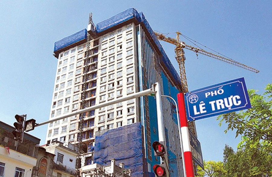 It is expected that on July 6, the tower crane will be dismantled at 8B Le Truc building