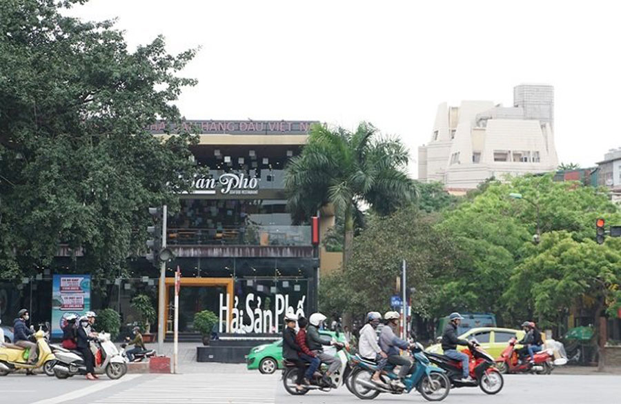 The restaurant is built on the Phan Ke Binh drainage ditch