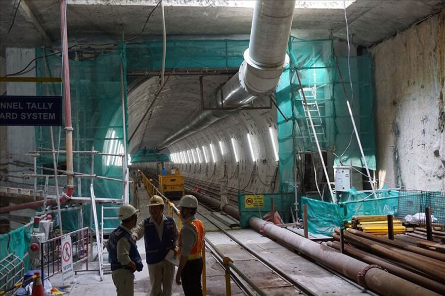 The second metro tunnel from Ba Son station.