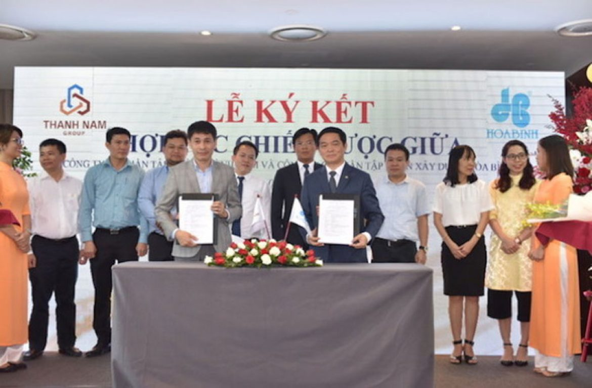 Hoa Binh and Thanh Nam Group signed a strategic cooperation