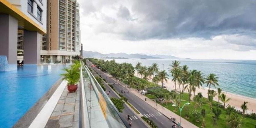 Metropole Thu Thiem apartment overlooking the Saigon River