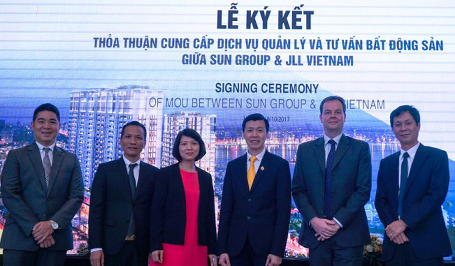Sun Group signed a cooperation agreement with JLL Group