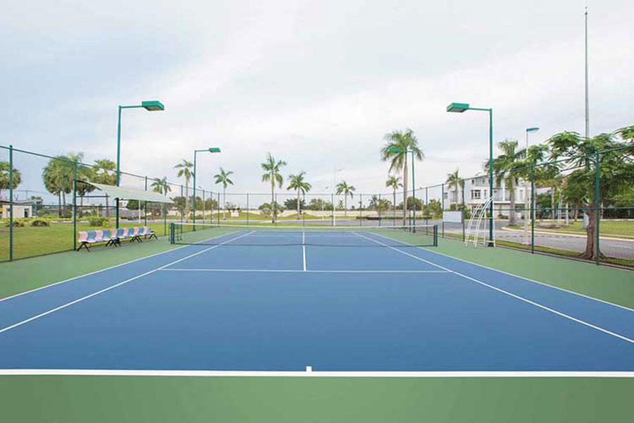 Tennis court at the Park Riverside Premium single-villa project