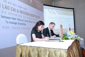 Leaders of the two companies signed a cooperation agreemen