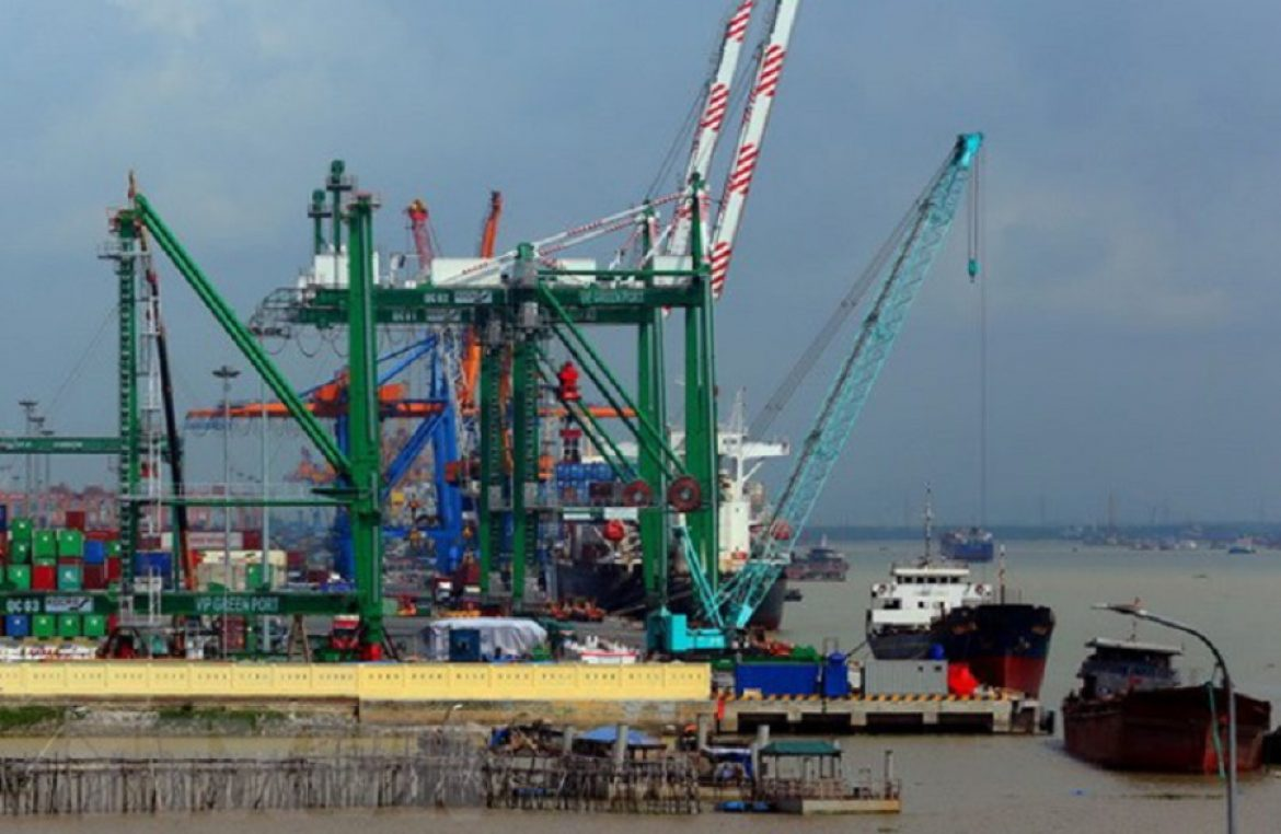 Adjustment of Lach Huyen port planning should be done soon.
